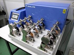 耐屈曲性試験機